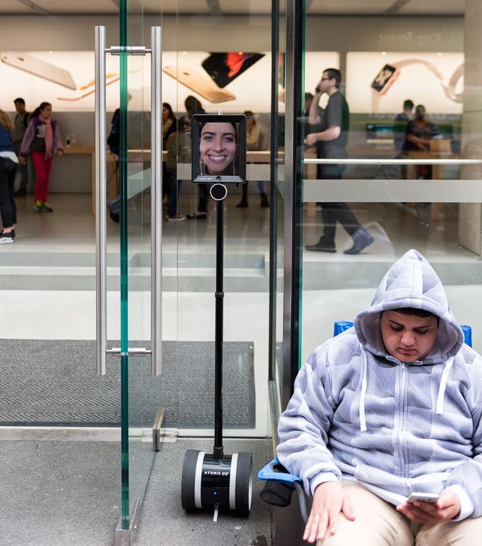A Robot Is Queuing Up For The iPhone 6S In Australia