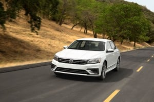 2016 VW Passat Refresh Brings R-Line for First Time