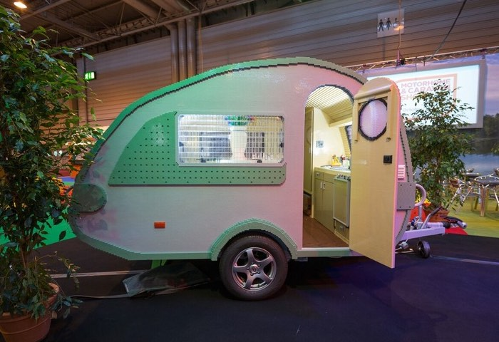 Lego Caravan-3