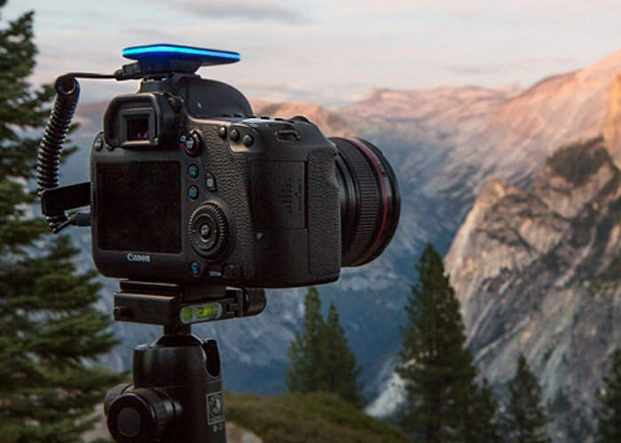 Pulse Allows You To Control Your DSLR Camera Wirelessly From Your Smartphone (video)