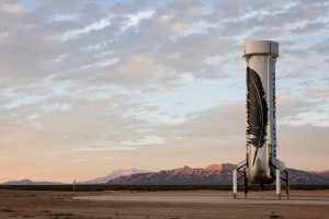 Jeff Bezos's Blue Origin Rocket Makes A Controlled Vertical Landing (Video)