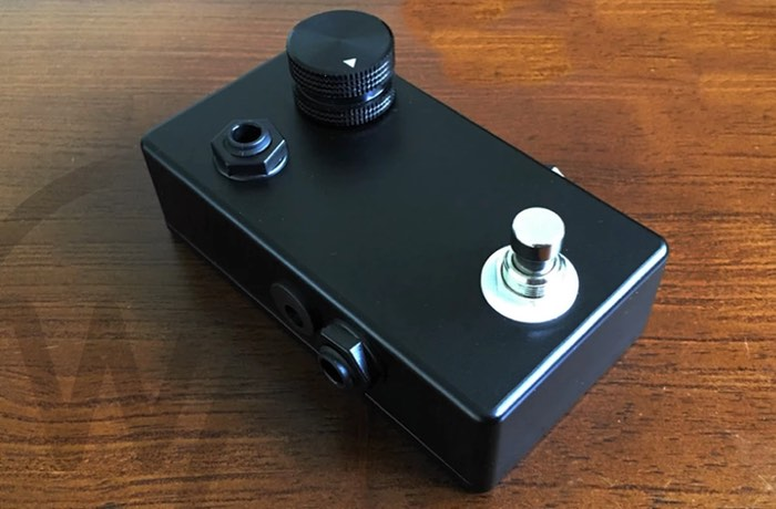 whisper amp guitar pedal headphone amplifier hits kickstarter video geeky gadgets. Black Bedroom Furniture Sets. Home Design Ideas