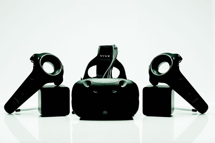 HTC unveils Vive Pre, the latest version of Oculus Rift competitor