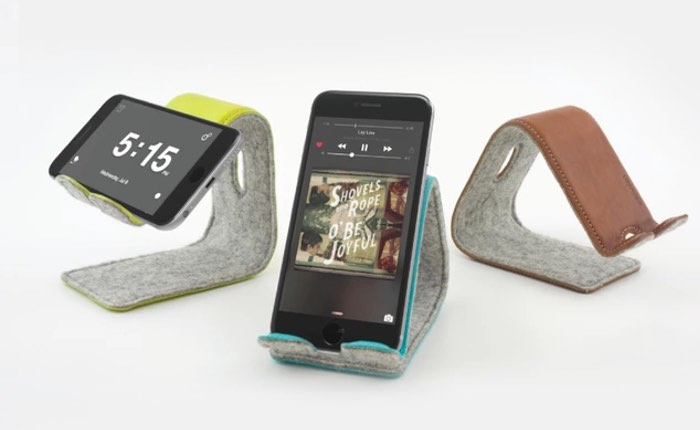 Positionable Leather Smartphone Stand