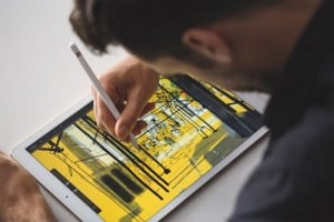 Win An iPad Pro And Apple Pencil With Geeky Gadgets Deals