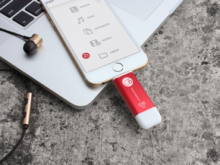 iKlips iOS Flash Drive