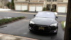 You Can Now Summon The Tesla Model S Using An Apple Watch (Video)