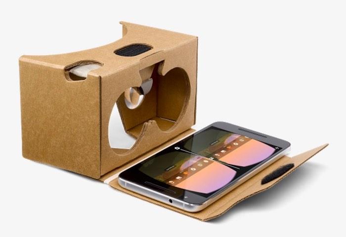 Google starts selling Cardboard gear