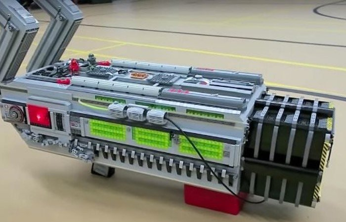 DOOM BFG 9000 Weapon Built Using Lego