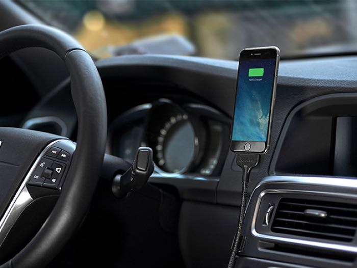 BOBINE BLACKOUT Auto iPhone Charging Dock