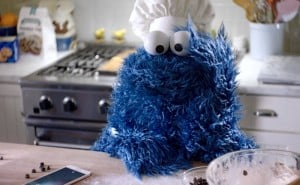 Behind The Scenes of The iPhone 6S Advert With Cookie Monster (Video)