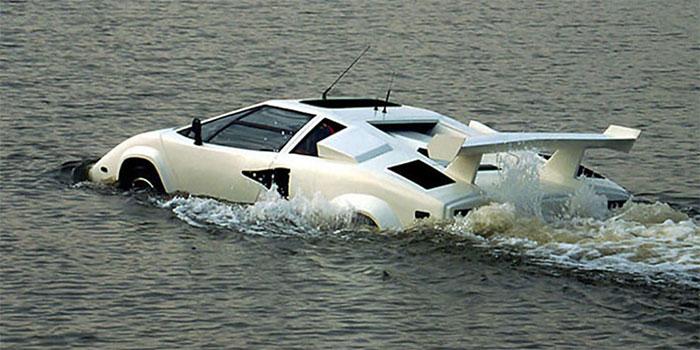 Amphibious Lamborghini Countach is Awesome