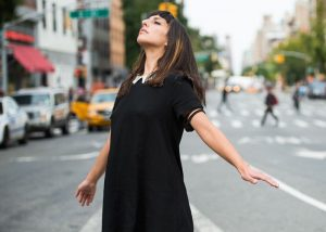 Biohacking Dancer Feels Vibrations When An Earthquake Occurs (video)
