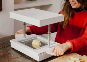 FormBox Desktop Vacuum Former Launches From $349 (video)