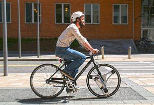 GeoOrbital Wheel Transforms Your Pedal Bike Into An Electric Bike In 60 Seconds (video)