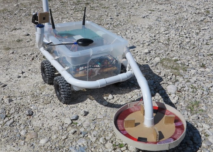 Raspberry Pi Powered Metal Detecting Robot (video)