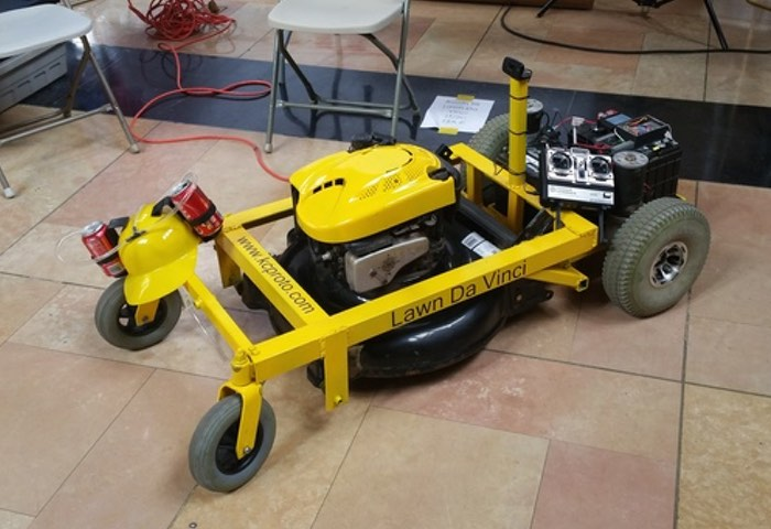 Lawn Da Vinci Open Source RC Lawnmower