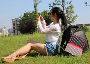 Powerleaf Intelligent 10.6w Solar Panel Charger Hits Kickstarter (video)