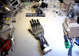 Awesome Robotic Hand Created From Desktop Coffee Machine (video)