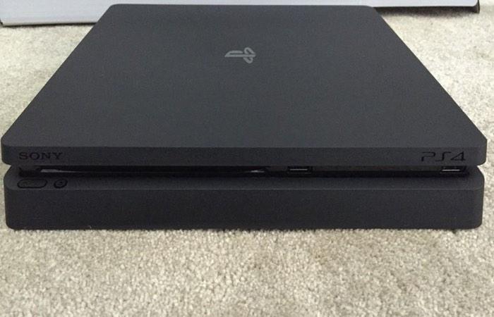 PlayStation 4 Slim Images