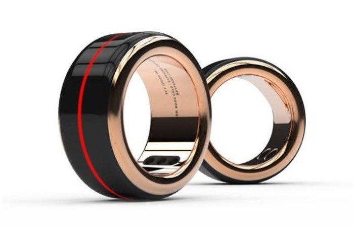 The Touch Ring Lets You Feel Your Partners Heartbeat