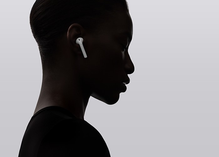 apple-airpods-wireless-headphones-1