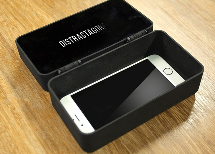 distractagone-smartphone-isolation-box