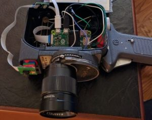 Raspberry Pi Zoom Movie Camera Created (video)