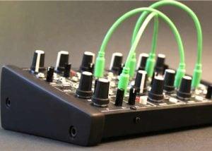 Ant Modular Desktop Analog Synthesiser (video)