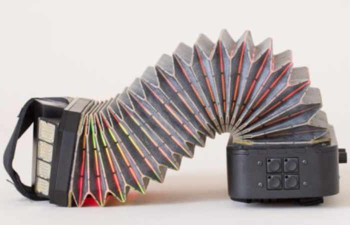 DIY PushPull Squeezebox Instrument (video) - Geeky Gadgets