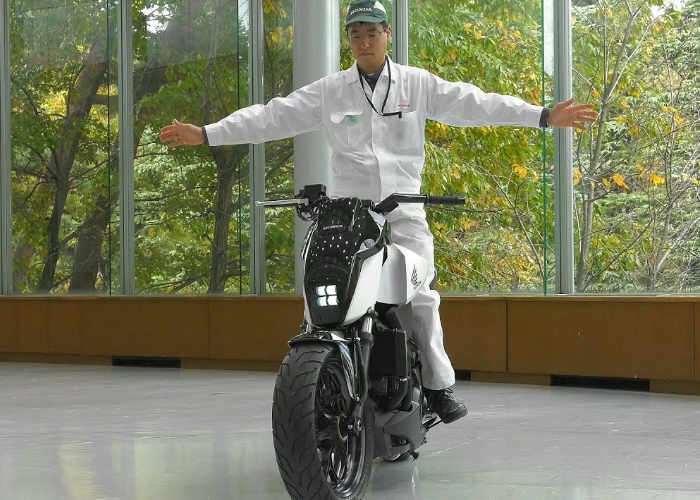 Honda Self Balancing Motorbike
