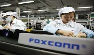 Foxconn And Apple May Launch $7 Billion US Display Factory