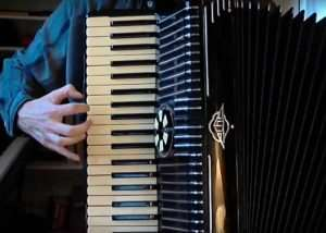 Arduino MIDI Accordion Created (video)