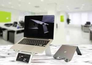 DiiZiGN Adjustable Aluminium Laptop Stand (video)
