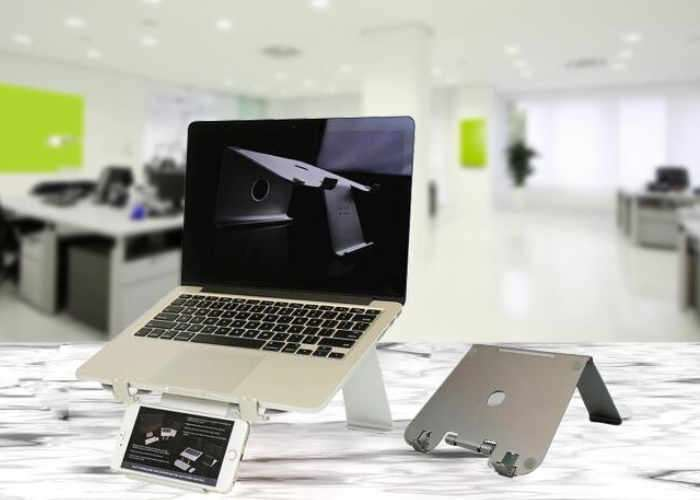 DiiZiGN Adjustable Aluminium Laptop Stand