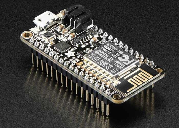 Feather HUZZAH With ESP8266 WiFi