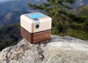 Robotic PLEN Cube Portable Personal Assistant (video)