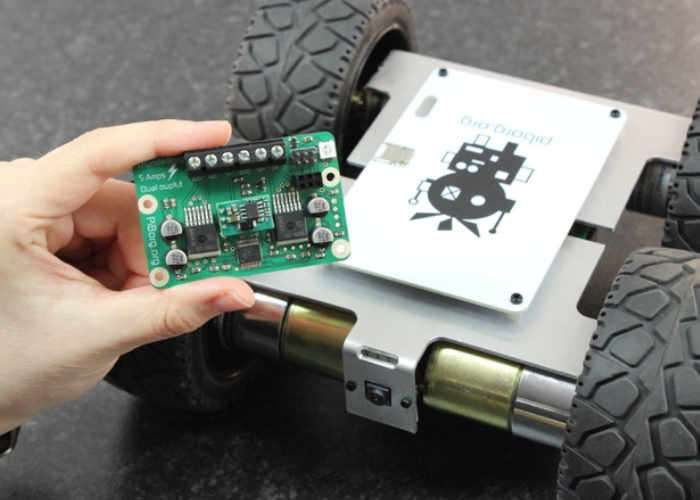 MonsterBorg Raspberry Pi Powered Robot Vehicle Launches From £180 (video)
