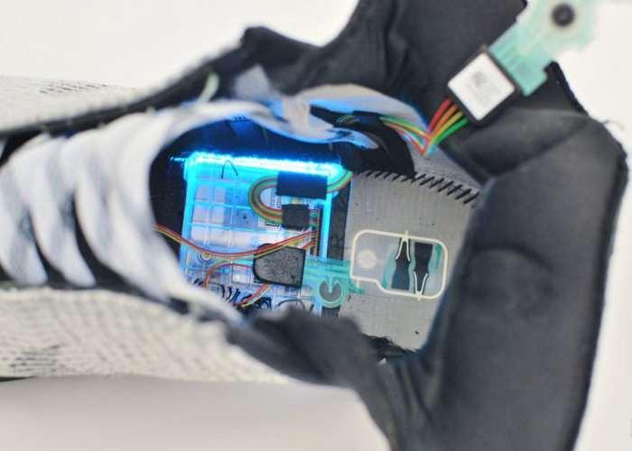 Nike HyperAdapt Self Lacing Shoe Teardown-3