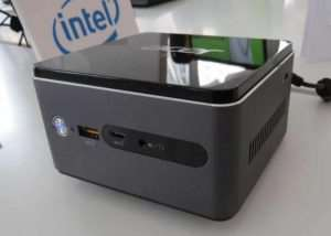 Acer Revo Cube Mini Desktop PC (video)