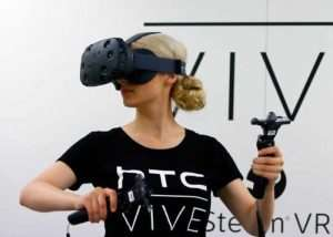 New HTC Vive VR Headset Weighs 15% Less Than Original