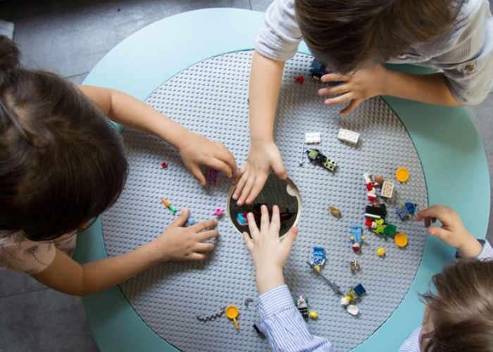Multifunctional children's table