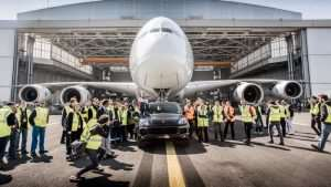 Porsche Cayenne Tows An Airbus A380 To Set New World Record