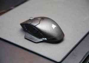 Corsair Concept Zeus Wireless Mouse Charges From The Mouse Pad