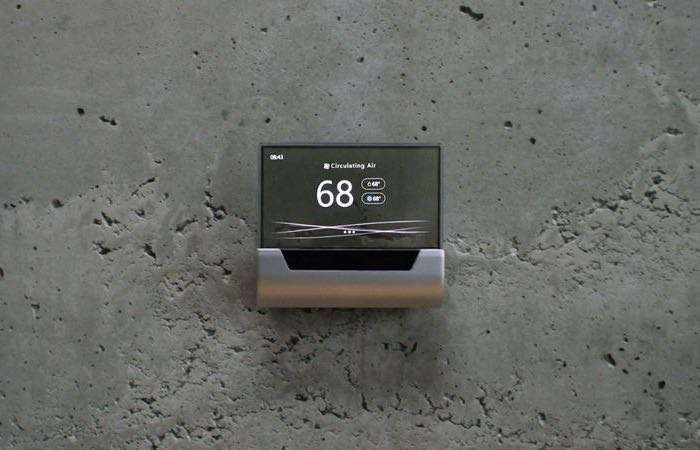 GLAS Cortana Powered Thermostat