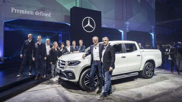 Mercedes benz x class pickup announced geeky gadgets for Mercedes benz international website