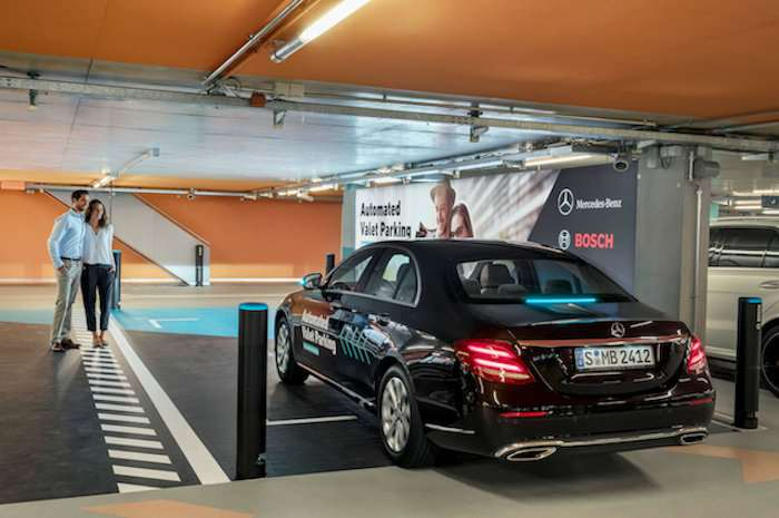 Mercedes-Benz exhibits driverless parking in Germany
