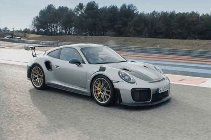 porsche 911 gt2 rs takes to the track geeky gadgets. Black Bedroom Furniture Sets. Home Design Ideas