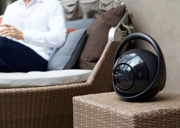 Belle Portable Speaker And Bluetooth Hub