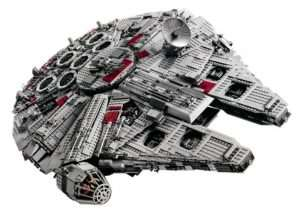 UCS Millennium Falcon LEGO 7,541 Pieces Assembled (video)